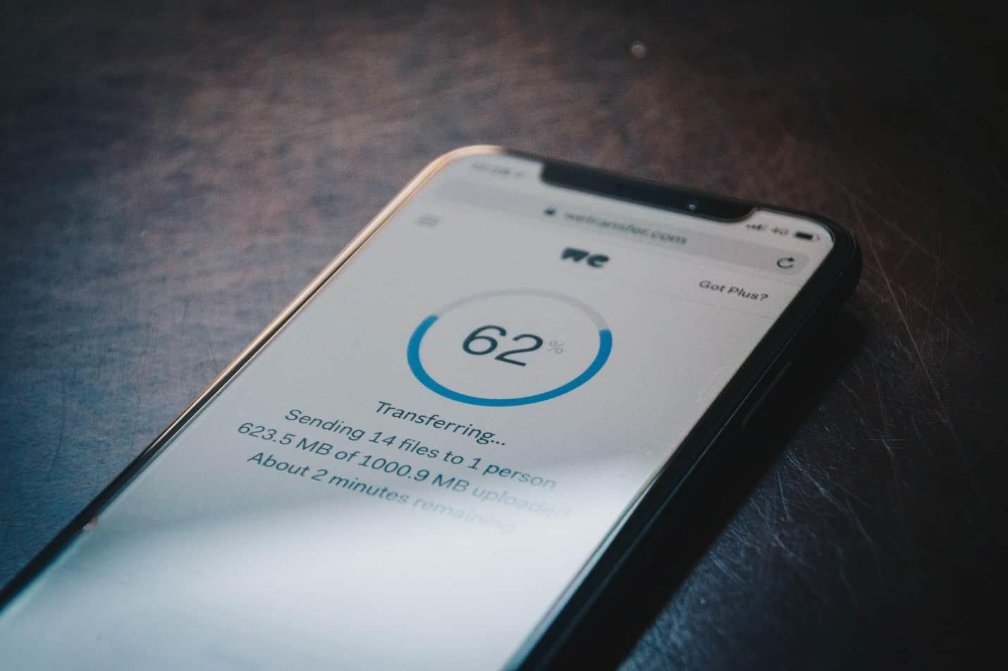 cómo las estafas por teléfono móvil roban tus datos personales