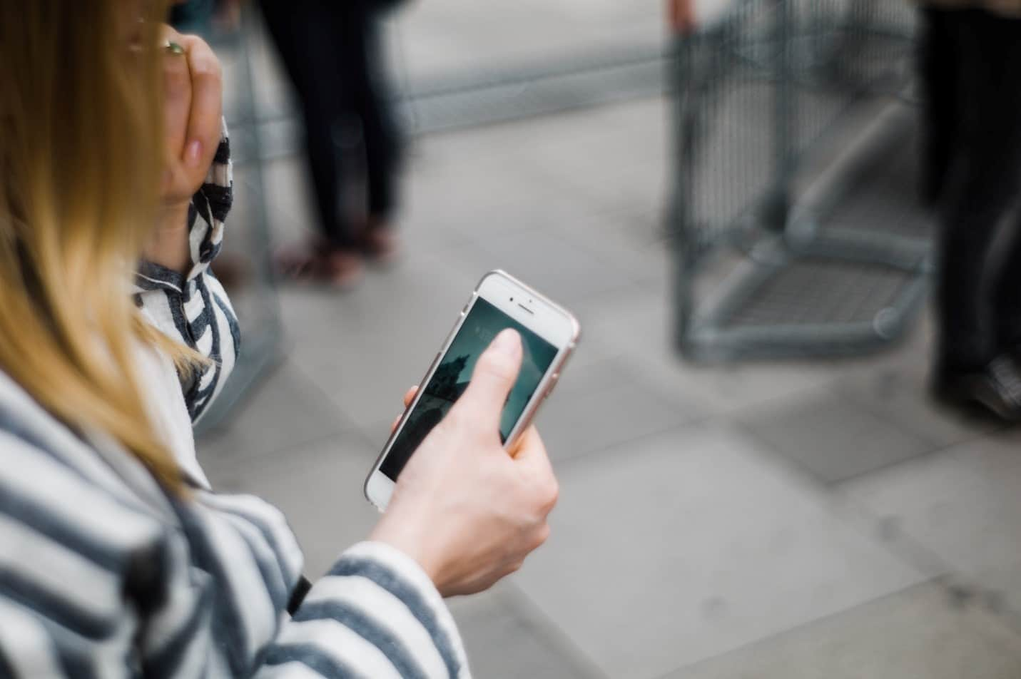 las mujeres son el blanco de la estafa por teléfono móvil